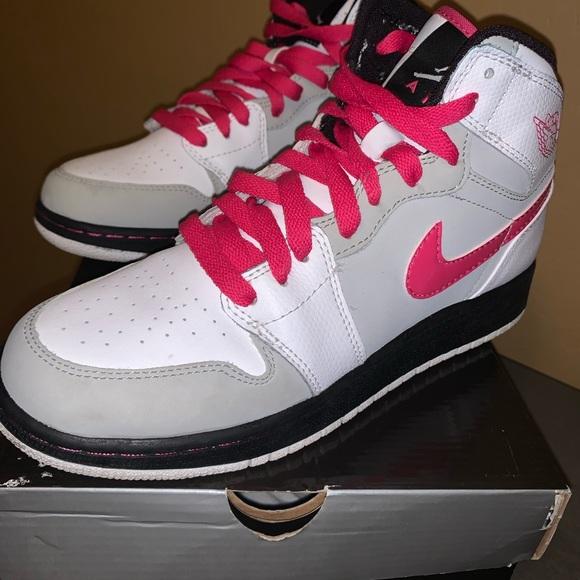 Jordan Shoes | Big Kids Jordan Retro